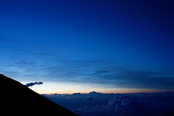 富士山の雲海の日没
