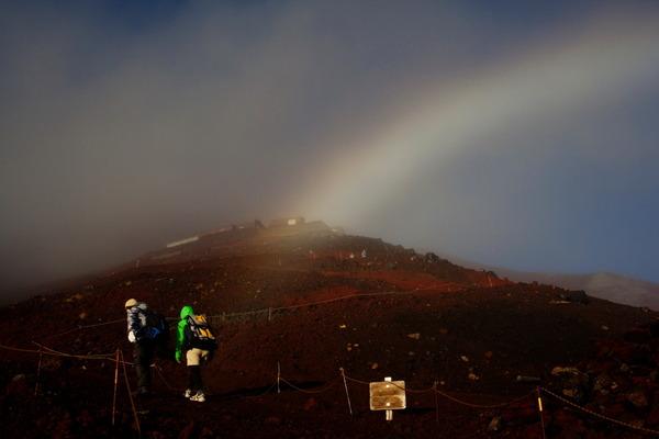 富士山の虹
